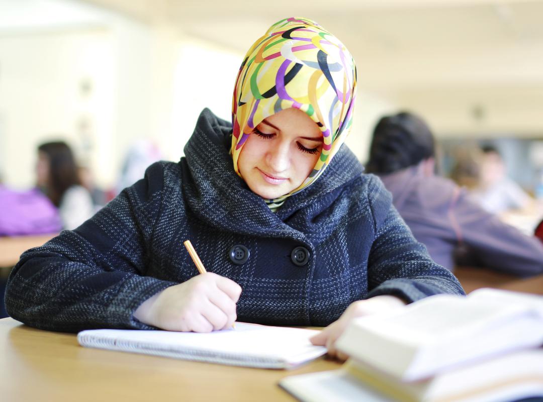 foto meisje met hoofddoek